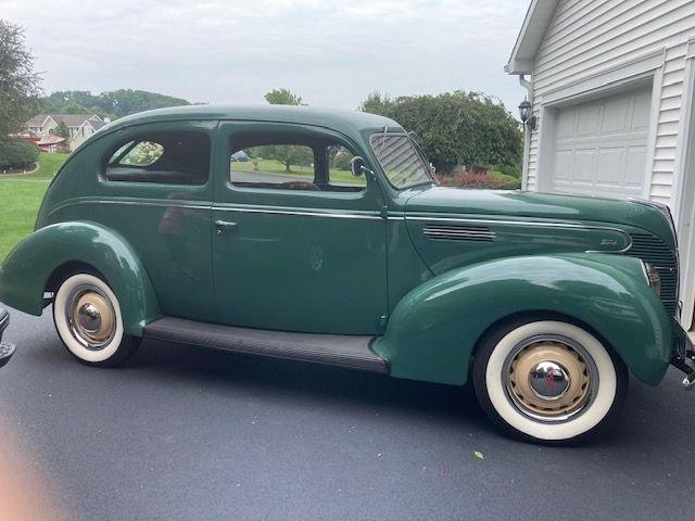 1939 Ford Sedan