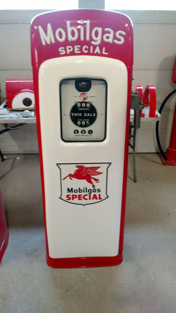 1950 MS80 Mobil Gas Special Gas Pump
