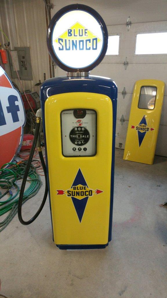 1950 MS80 Blue Sunoco Gas Pump