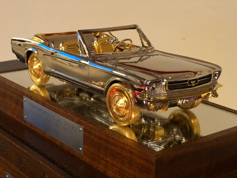 25th Anniversary 1/8 Scale Model of 1965 Ford Mustang