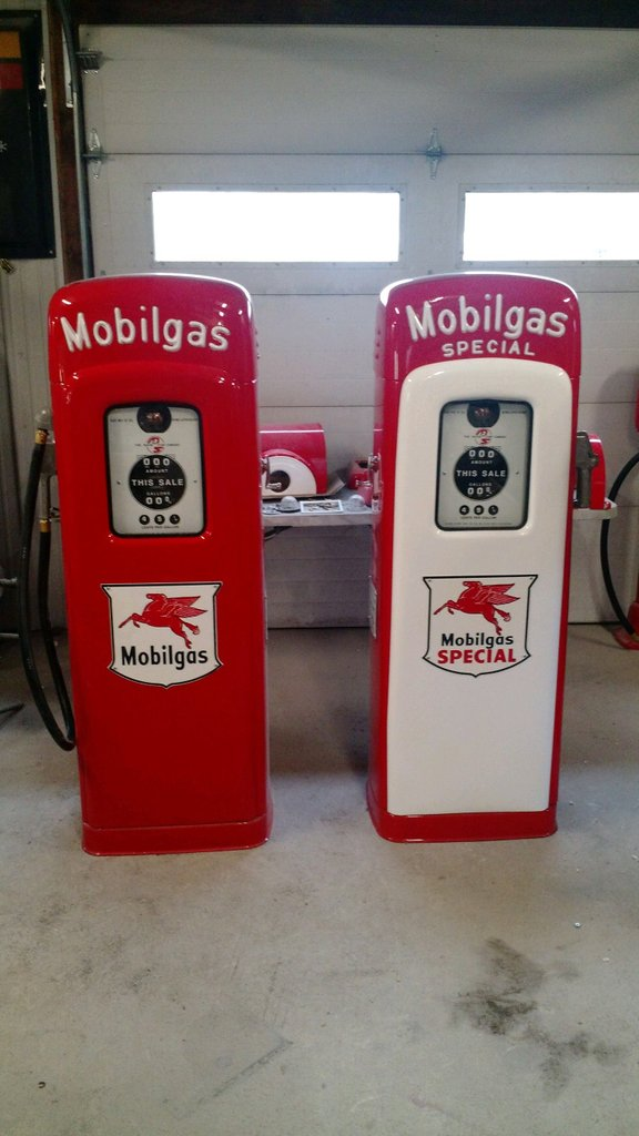 Mobil & Mobil Special MS 80 Gas Pumps