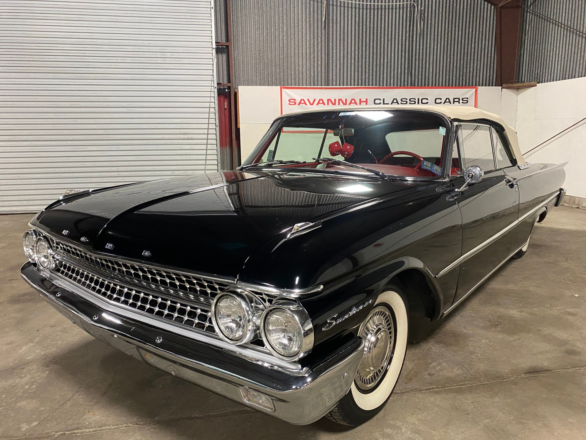 1961 ford galaxie 500 sunliner
