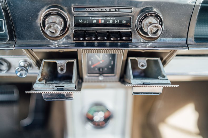 1962 Oldsmobile Starfire 22