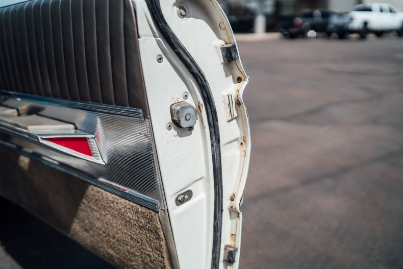 1962 Oldsmobile Starfire 35