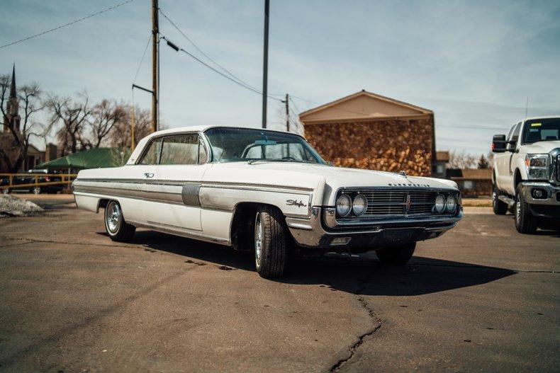 1962 Oldsmobile Starfire 3