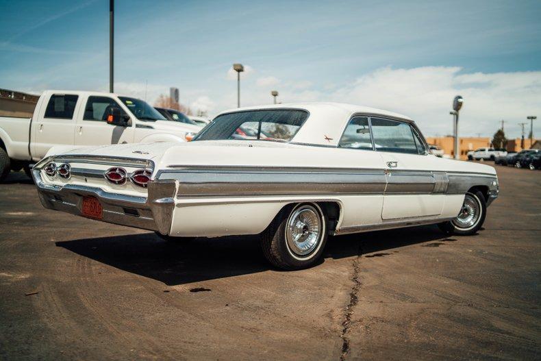 1962 Oldsmobile Starfire 5
