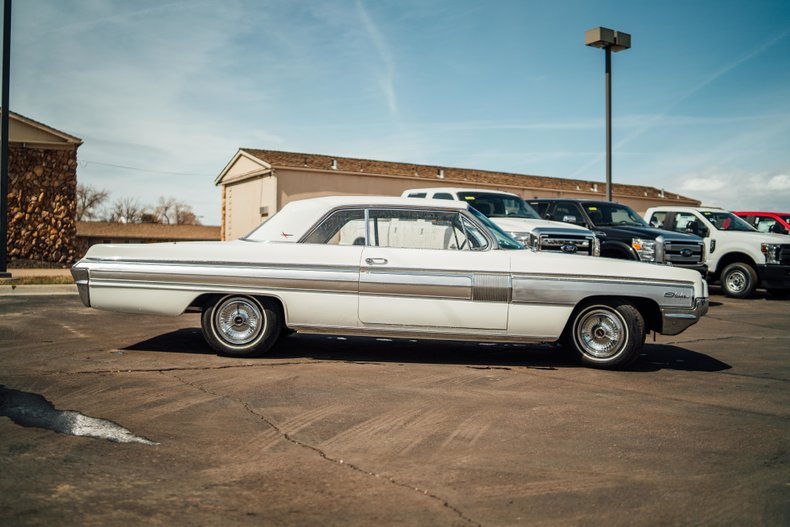 1962 Oldsmobile Starfire 4
