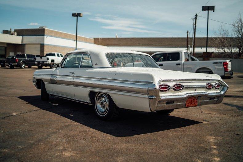 1962 Oldsmobile Starfire 7