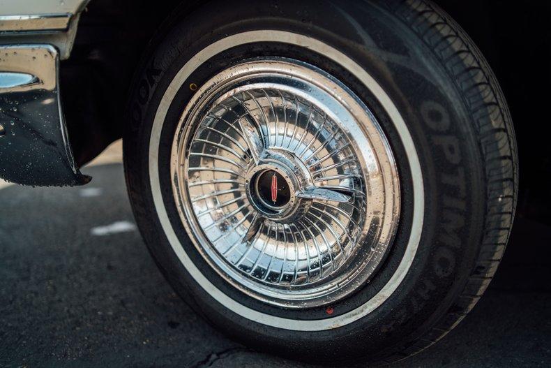 1962 Oldsmobile Starfire 120