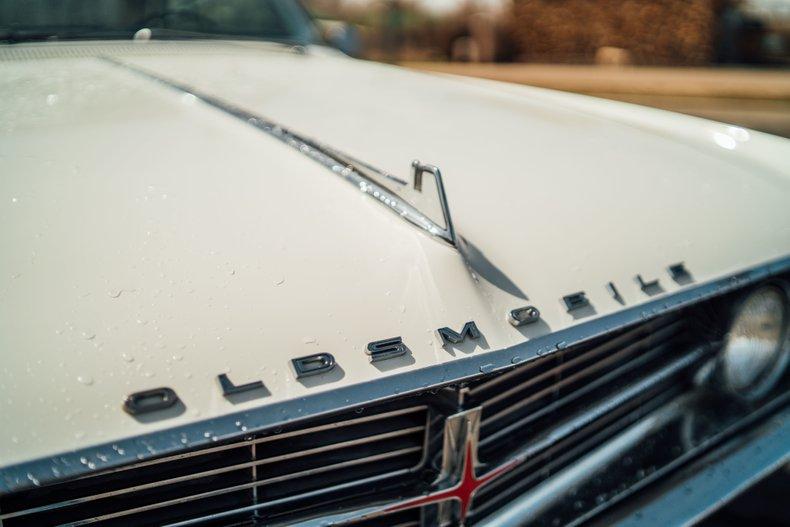 1962 Oldsmobile Starfire 10