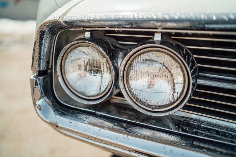 1962 Oldsmobile Starfire 11