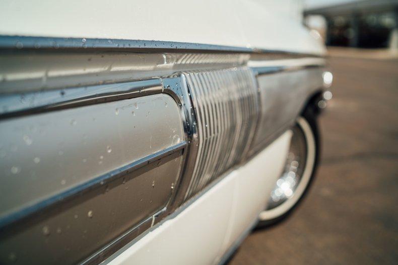 1962 Oldsmobile Starfire 13