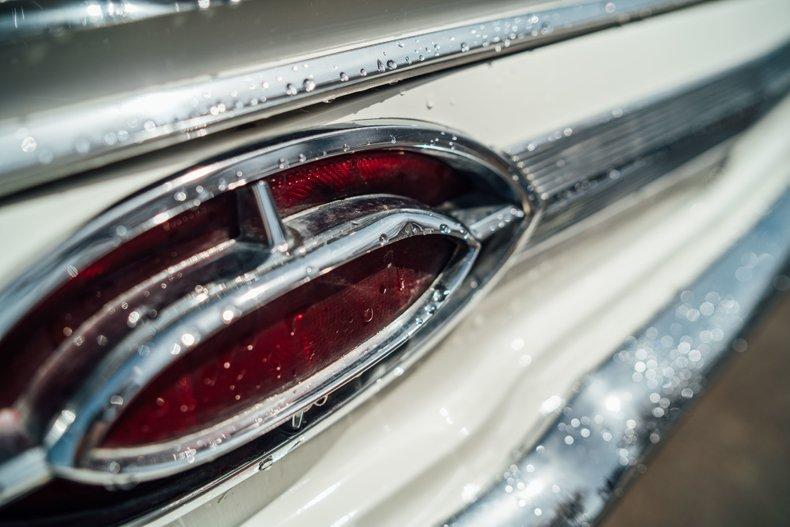 1962 Oldsmobile Starfire 18