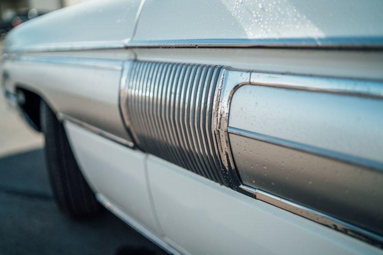 1962 Oldsmobile Starfire 131