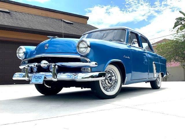 1953 Ford Crestline