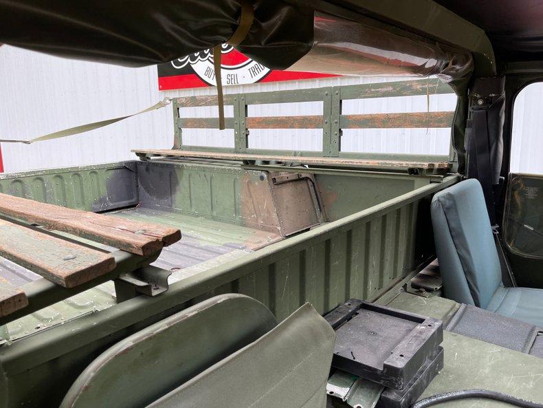 1901 Am General M998 Humvee