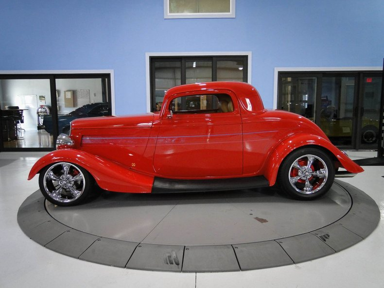 1933 Ford 3 Window Coupe 2