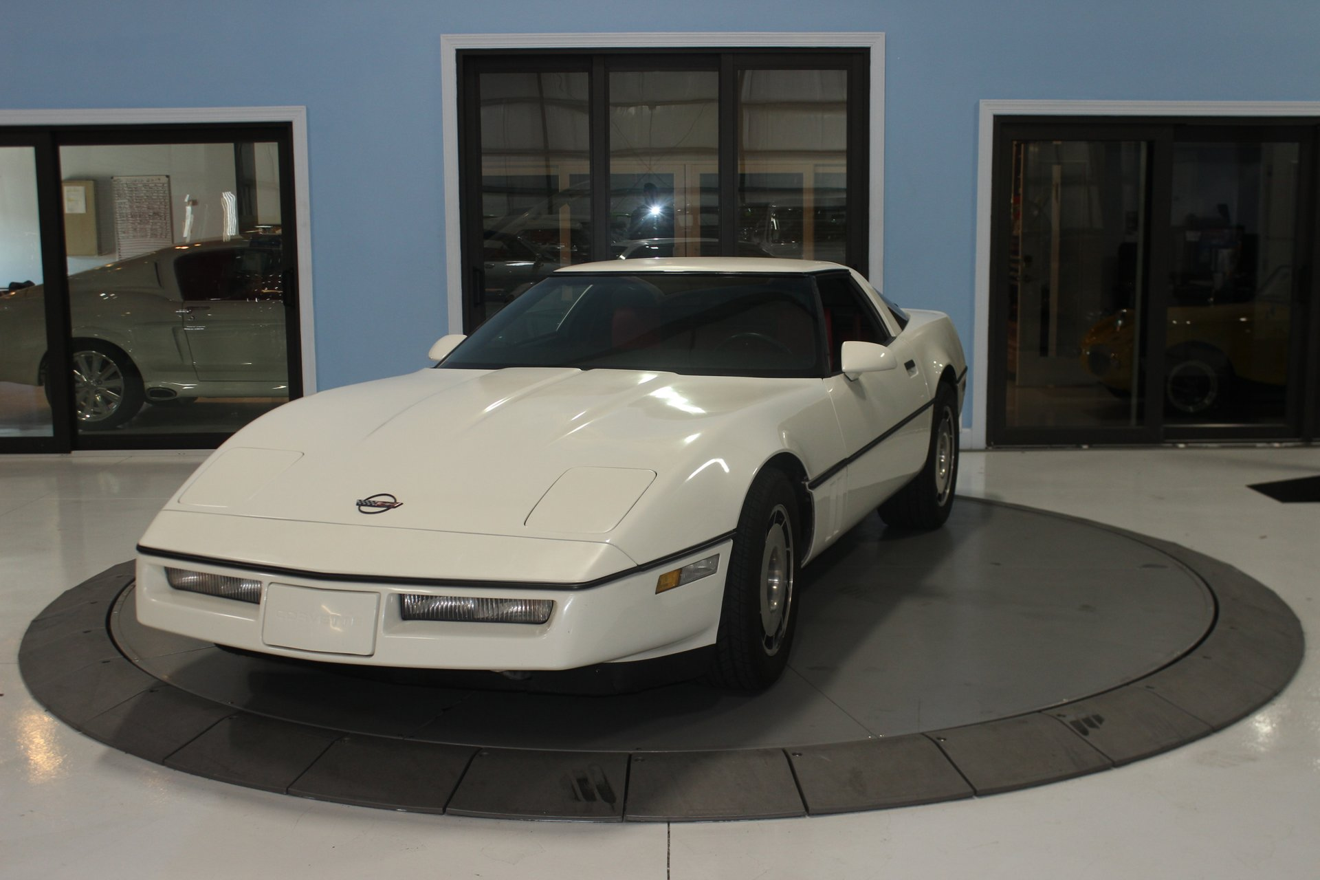 1985 chevrolet corvette 2dr hatchback coupe