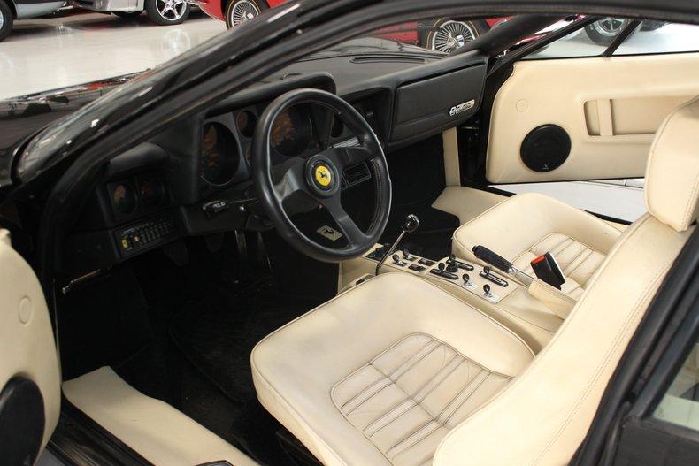 1983 Ferrari BB512i 24
