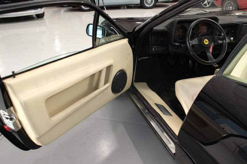 1983 Ferrari BB512i 23