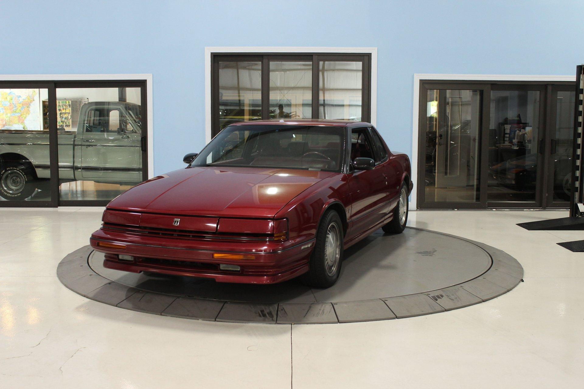 1990 oldsmobile toronado 2dr coupe trofeo