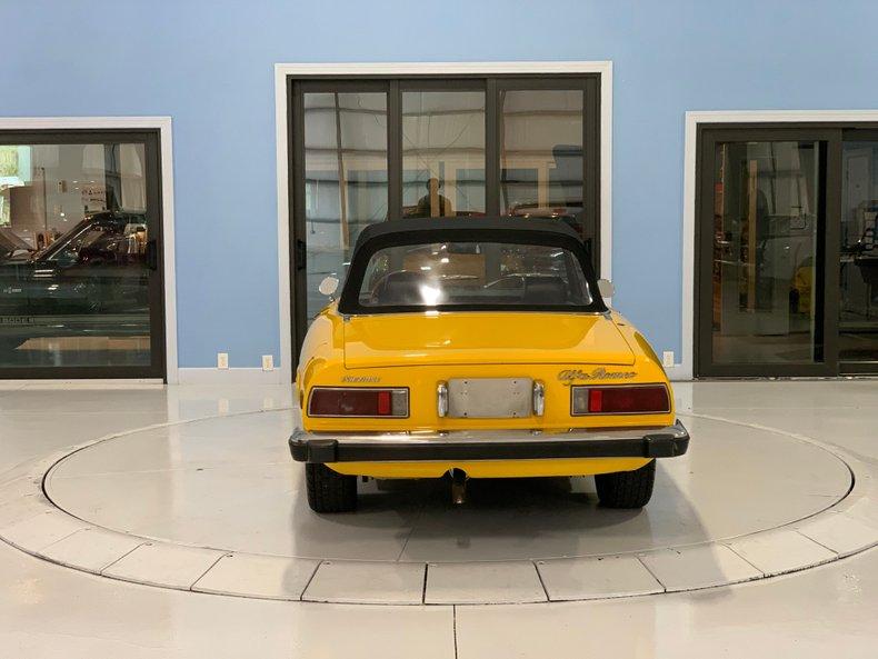 1974 Alfa Romeo 1300 Spider 4