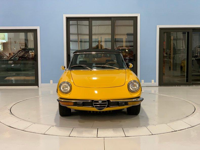 1974 Alfa Romeo 1300 Spider 8