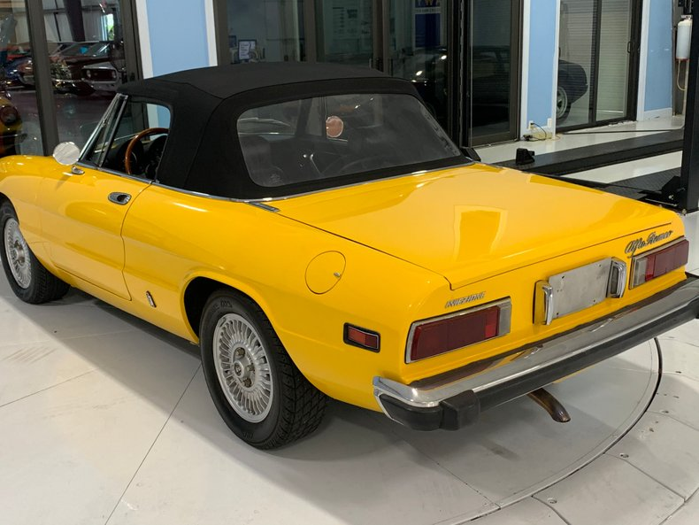 1974 Alfa Romeo 1300 Spider 17