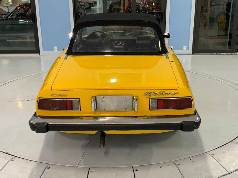 1974 Alfa Romeo 1300 Spider 18