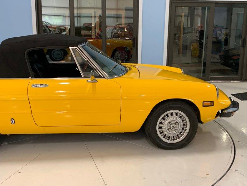 1974 Alfa Romeo 1300 Spider 23