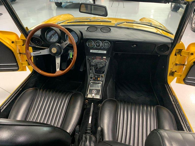 1974 Alfa Romeo 1300 Spider 32