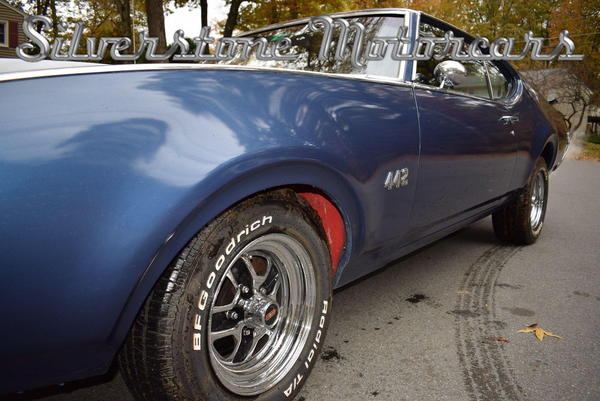 1969 Oldsmobile 442 | Silverstone Motorcars