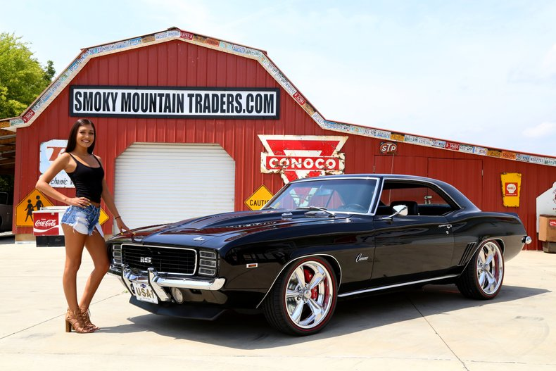 Classic Cars & Muscle Cars For