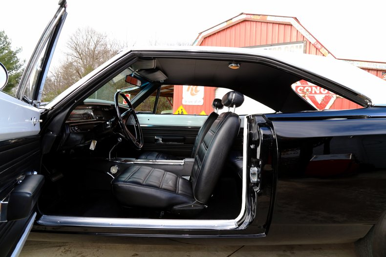 1969 Plymouth Road Runner 35
