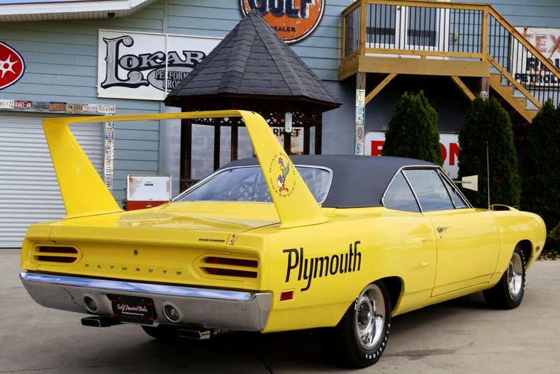 1970 Plymouth Superbird 24