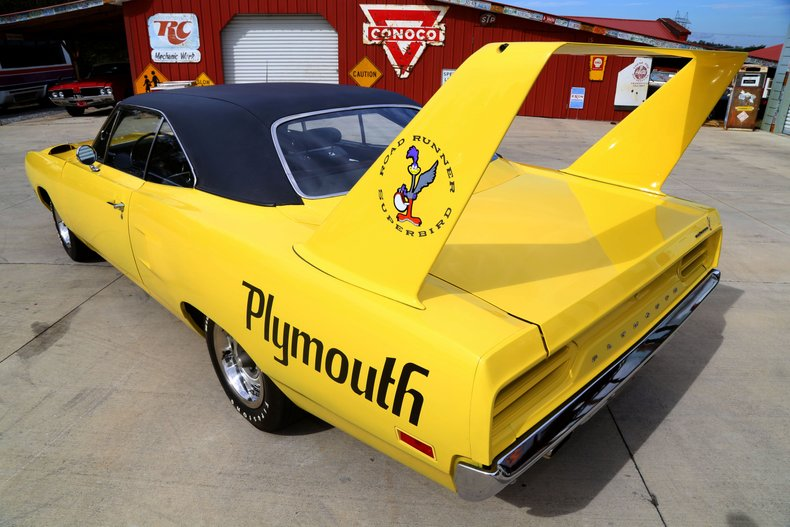 1970 Plymouth Superbird 18