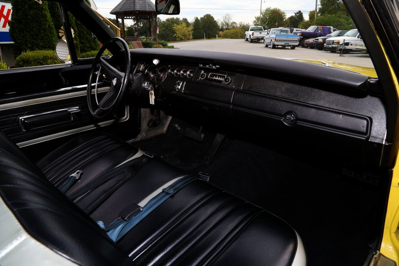 1970 Plymouth Superbird 32