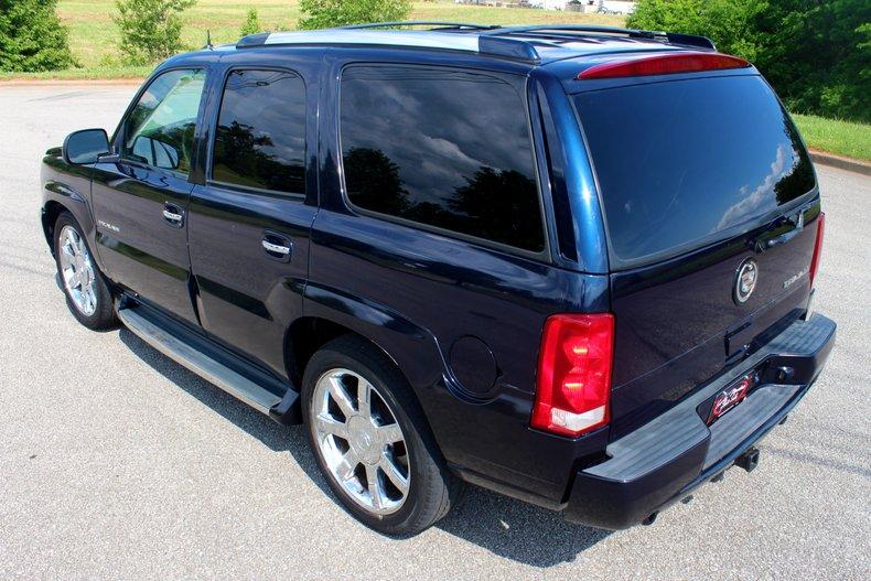 2004 Cadillac Escalade 8