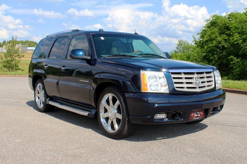 2004 Cadillac Escalade 1