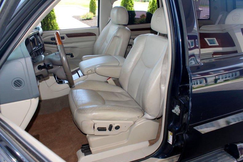 2004 Cadillac Escalade 15