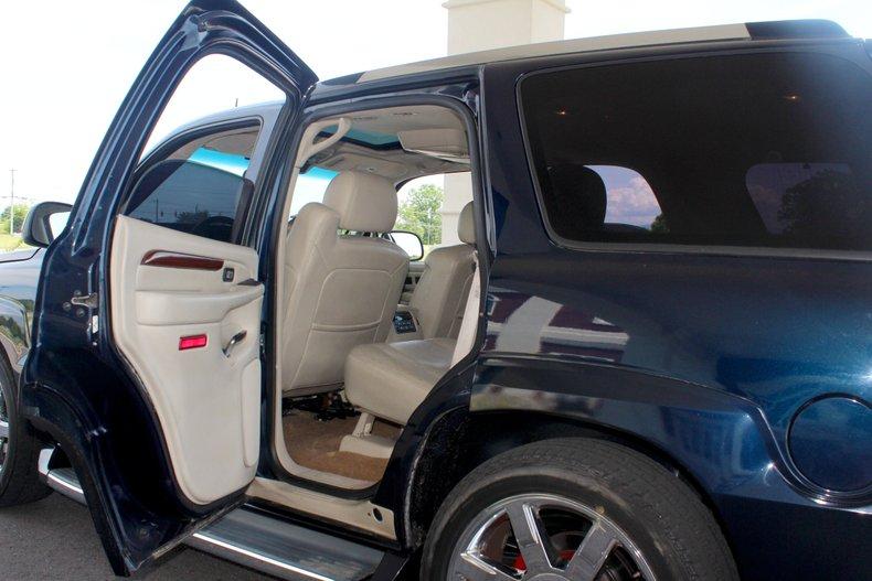 2004 Cadillac Escalade 17