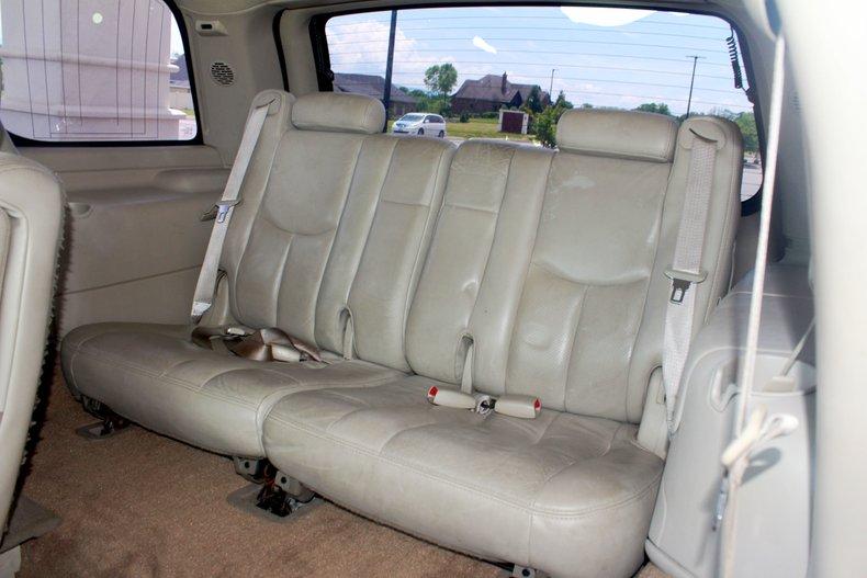 2004 Cadillac Escalade 20