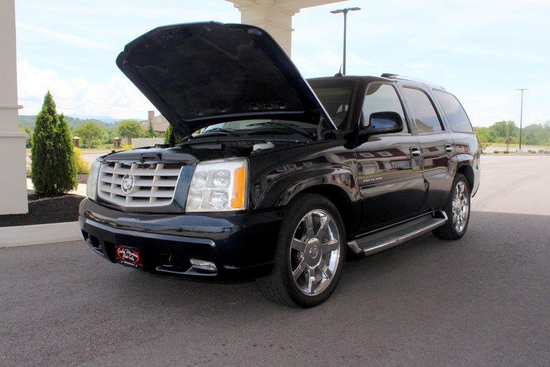 2004 Cadillac Escalade 31
