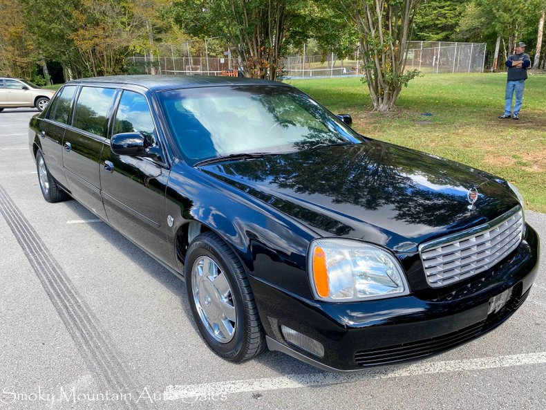 2004 Cadillac Limousine