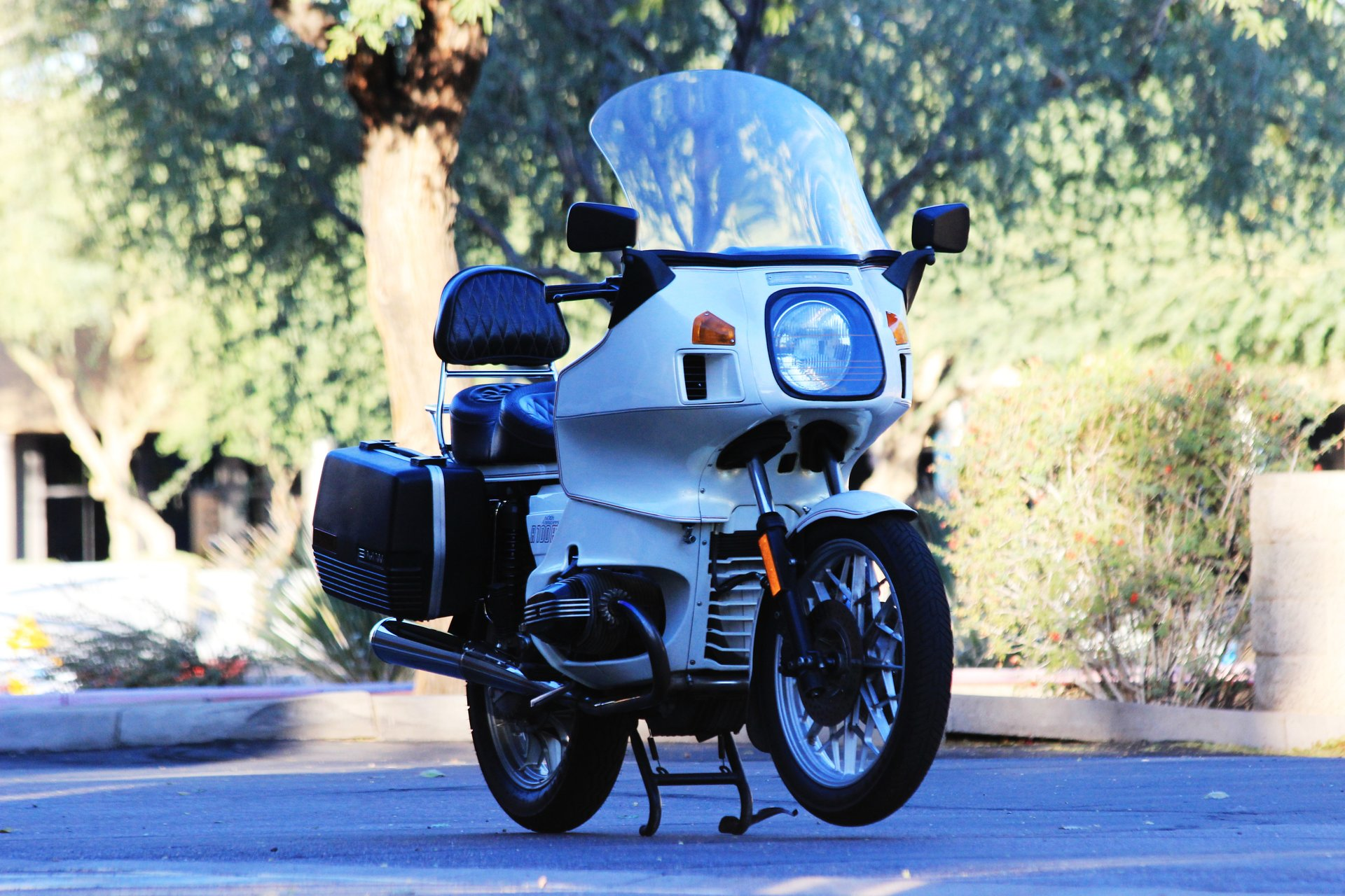1983 BMW R100RT | Classic & Collectible vehicle storage