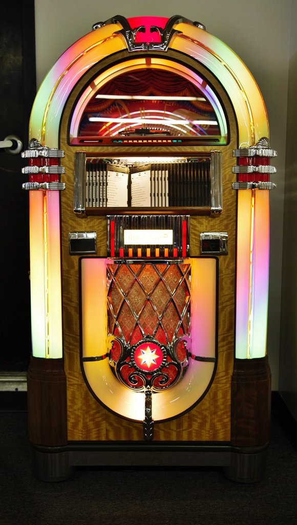 Rock-Ola Bubbler Jukebox CD8-B