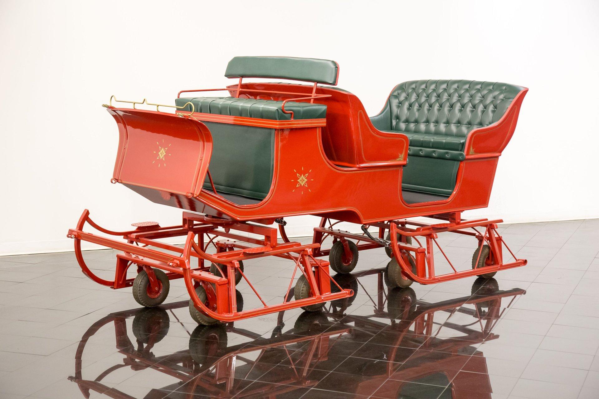 Vis a vis horse drawn sleigh multi passenger