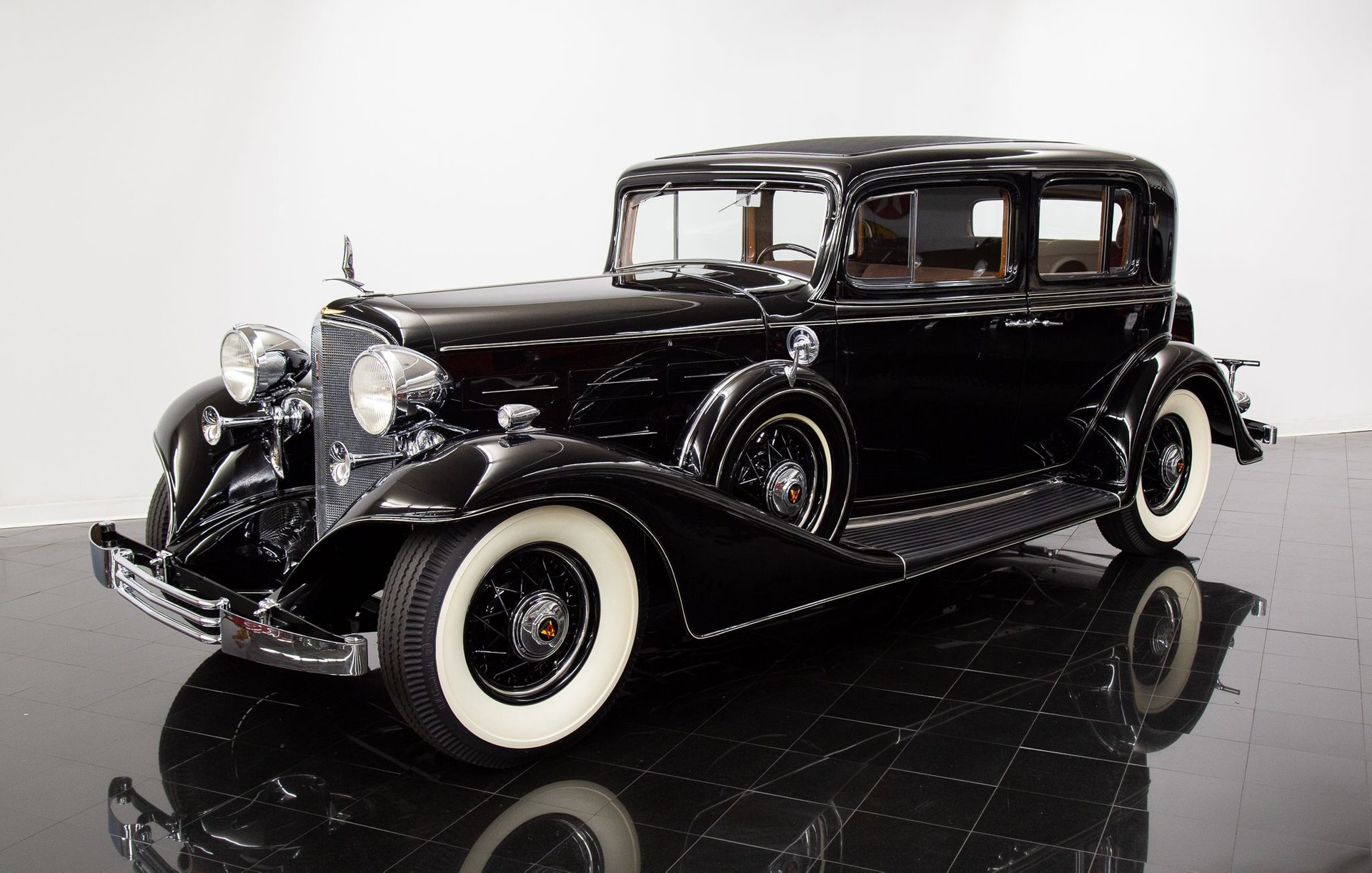 1933 cadillac v12 370c town sedan
