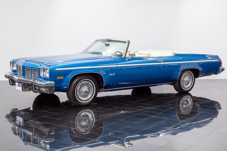 1975 Oldsmobile Delta Royal 88 Convertible