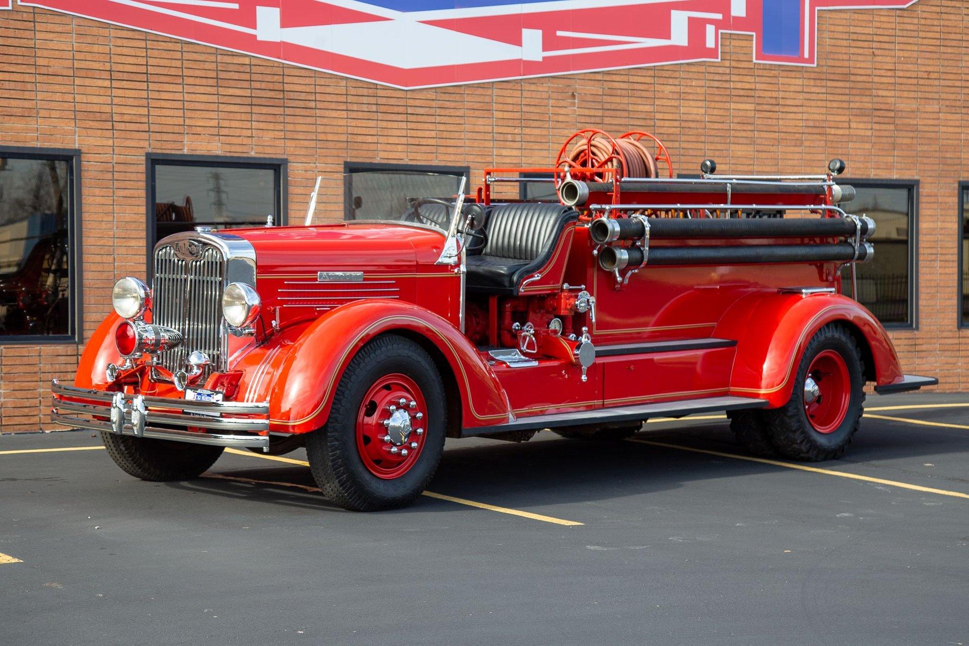1937 autocar pumper firetruck
